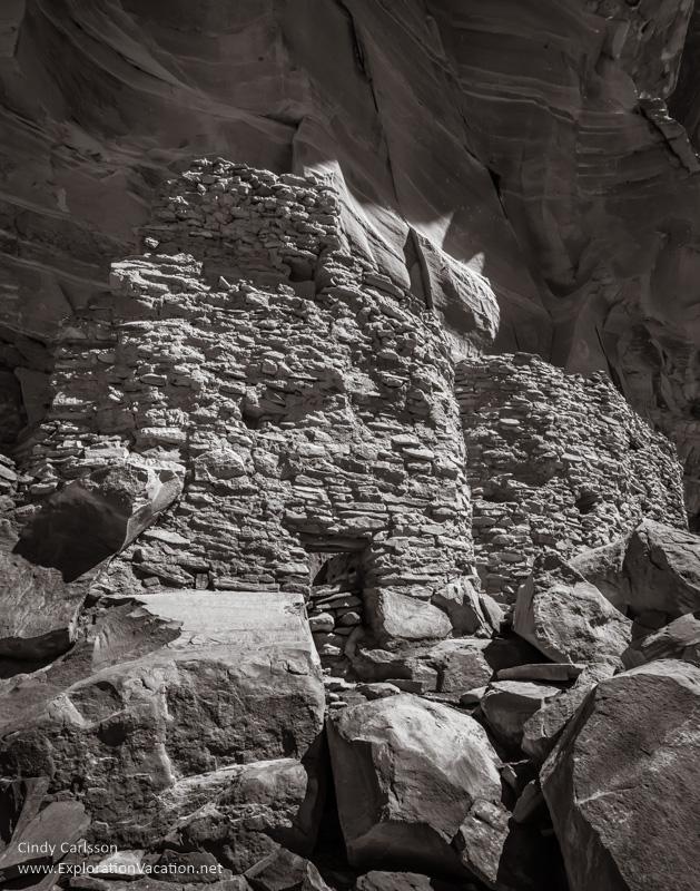 Palatki cliff dwelling - www.PlayingWithPhotographhy.com